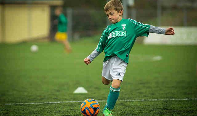What do scouts look for in young soccer players?